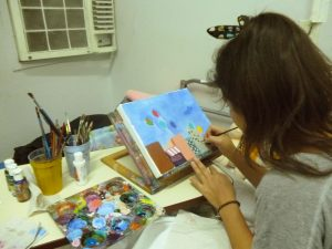1 Vergel adolescente pintando